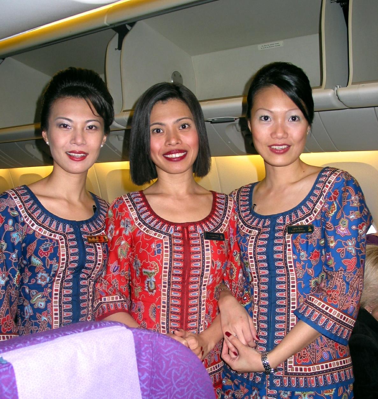 Singapore_Airlines_flight_attendants