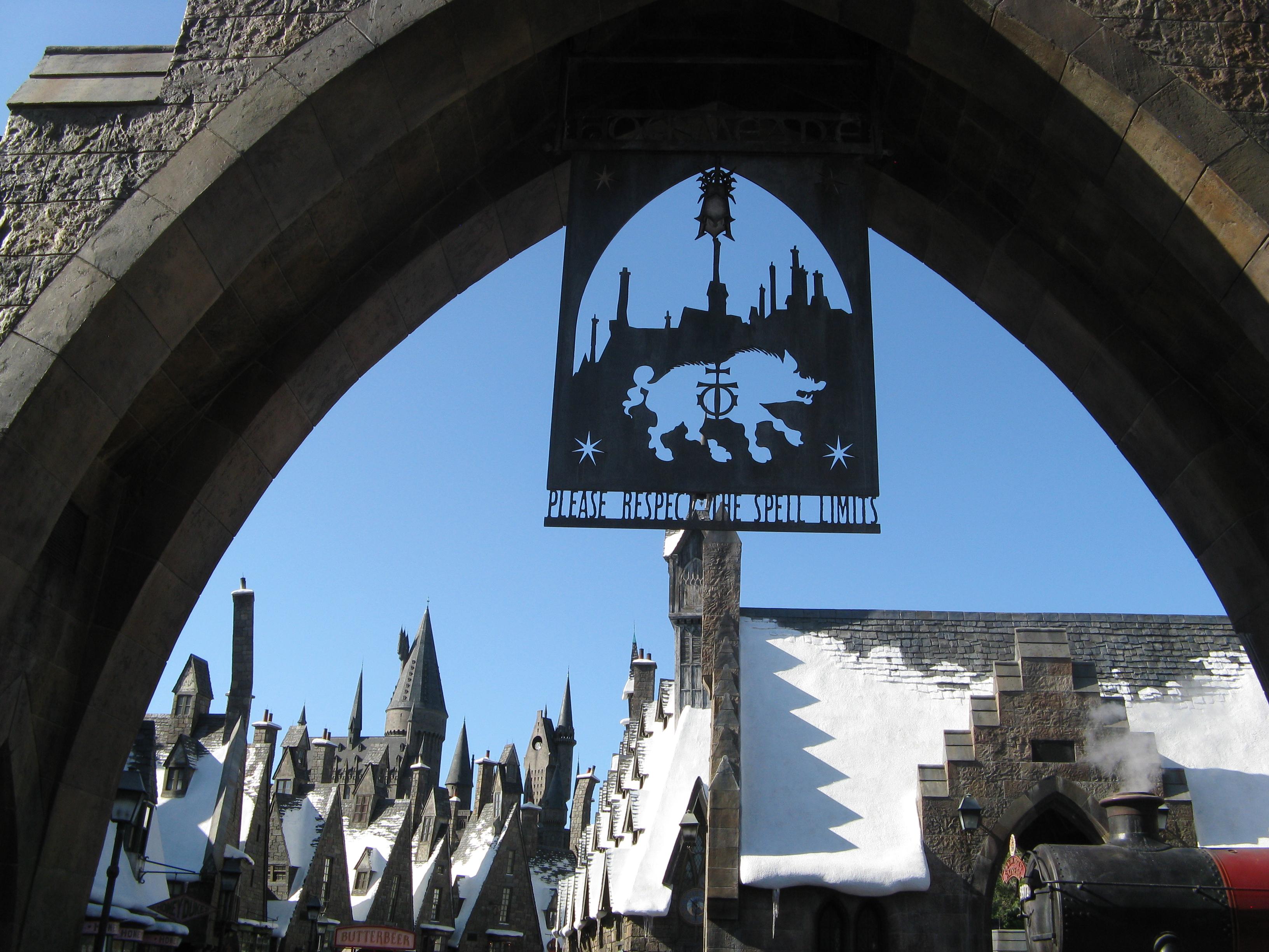 USA: Thrill Rides in Florida's Disney World & Universal