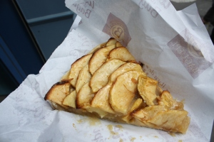 Apple tart in Paris. Photo by  Jennifer Billock.
