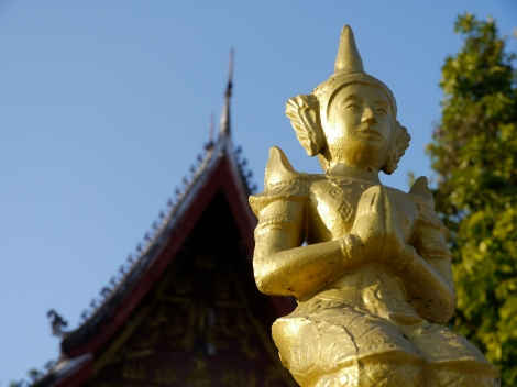 """""""Please be a responsible tourist!"""", says this statue in Luang Prabang, Laos"""