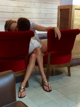 making-out-in-a-coffee-shop-low-res-photo-by-johanna-read-traveleater-net